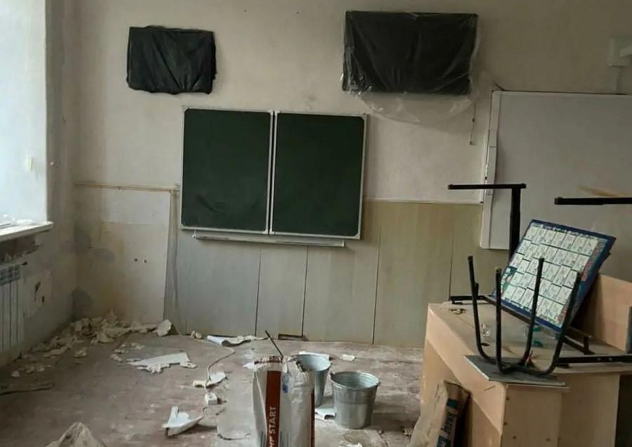 ForPost - Новости : За неделю до 1 сентября школа в Севастополе стоит в разрухе