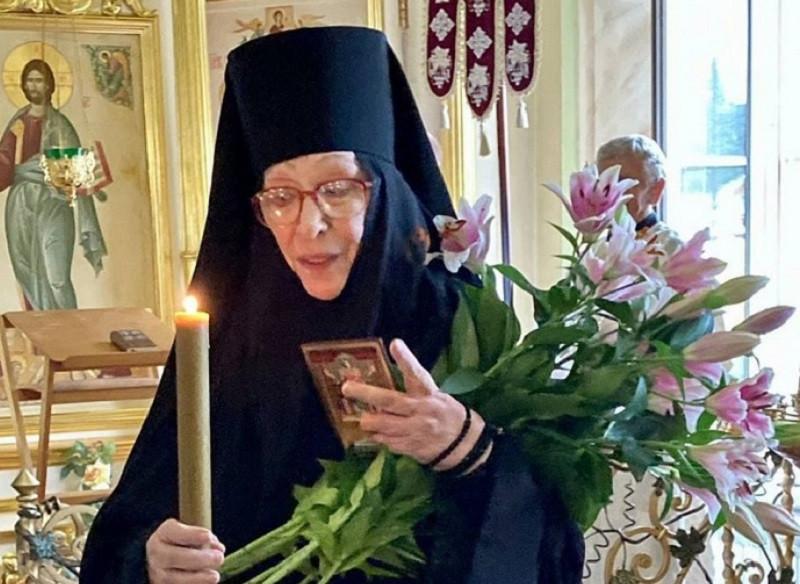 ForPost - Новости : Актриса Екатерина Васильева ушла в монастырь