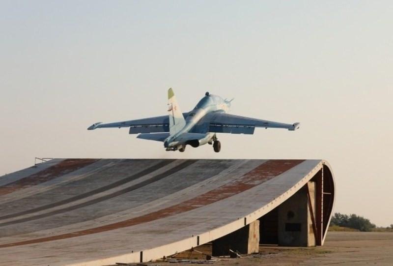 ForPost - Новости : Минобороны показало тренировку истребителей на секретном объекте в Крыму