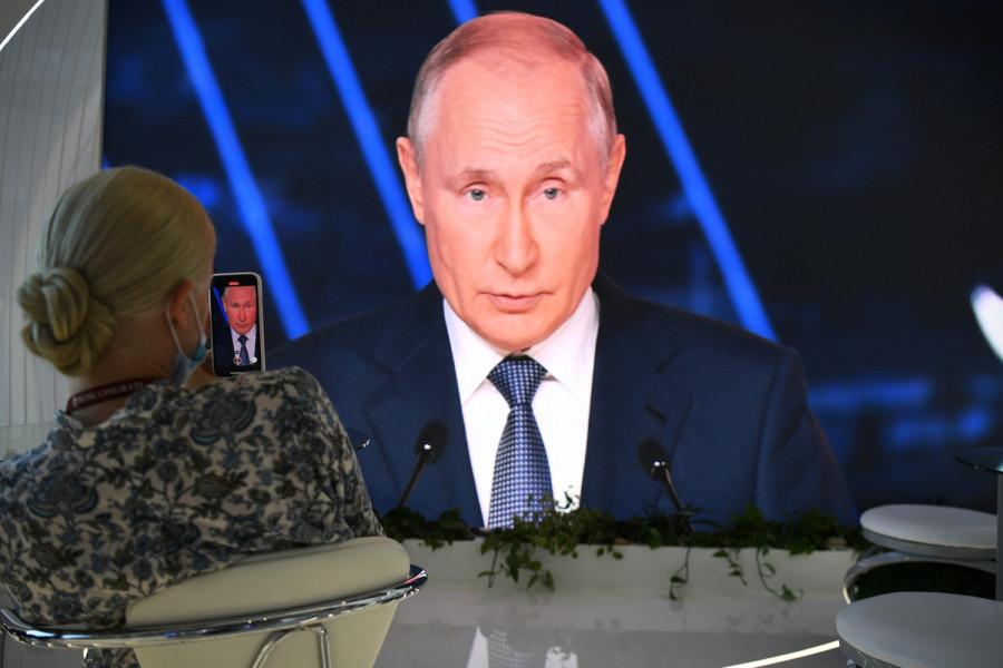 ForPost - Новости : Путин заявил, что ему жалко отпускать Шойгу и Лаврова в Госдуму