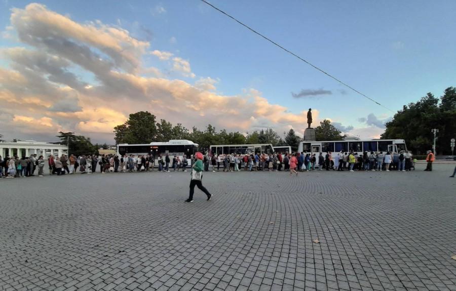 ForPost - Новости : Почему очереди из-за перекрытого рейда в Севастополе оказались неизбежны