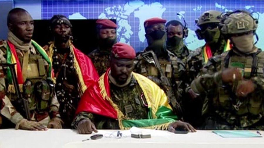ForPost - Новости : Военные в Гвинее объяснили, почему они взяли в плен президента страны