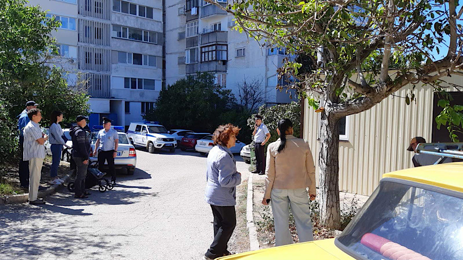 ForPost - Новости : Угроза застройки двора на улице Гавена в Севастополе пока отступила