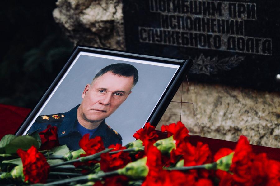 ForPost - Новости : Память погибшего министра МЧС Зиничева почтили в Севастополе
