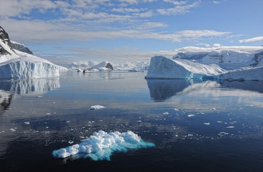 ForPost - Новости : В Антарктиде будут искать природный артефакт, которому 1,5 миллиона лет