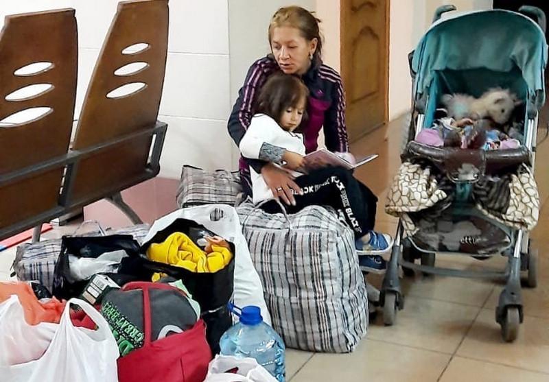 ForPost - Новости : Крымчане спасли от улицы сбежавшую от мужа-наркомана сибирячку с двумя детьми