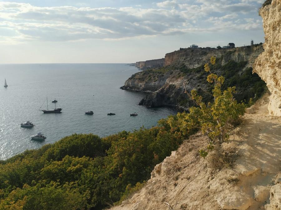 ForPost - Новости : Очередной человек сорвался со скал в Севастополе
