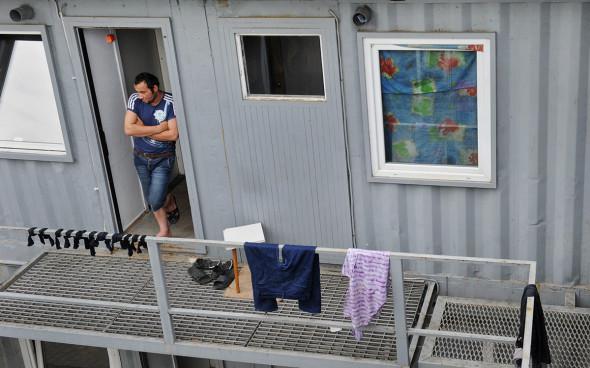 ForPost - Новости : Глава Подмосковья поручил взять под контроль места проживания мигрантов