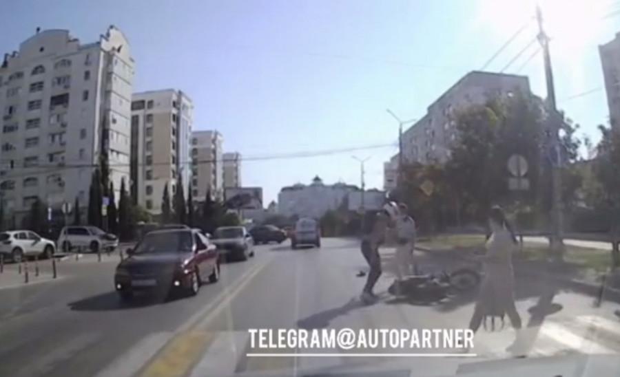 ForPost - Новости : В Севастополе сбитый пешеход чуть не избил мотоциклиста