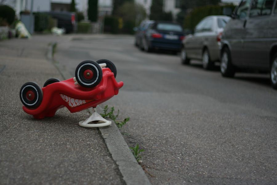 ForPost - Новости : Трёхлетний мальчик попал под колеса автомобиля в Севастополе