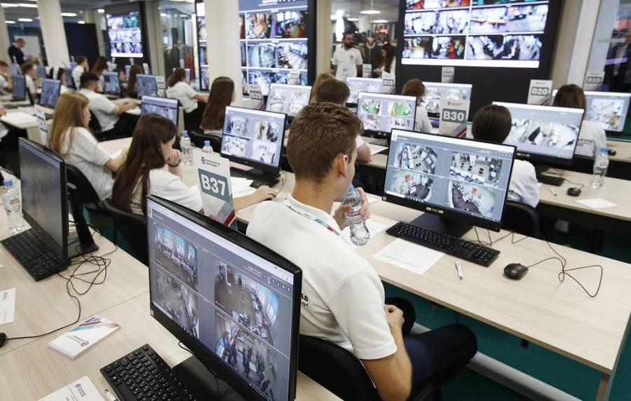 ForPost - Новости : В Общественной палате РФ за первый день выборов выявили порядка 7 тыс. фейков