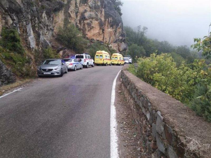 ForPost - Новости : В Крыму автомобиль с туристами сорвался в пропасть