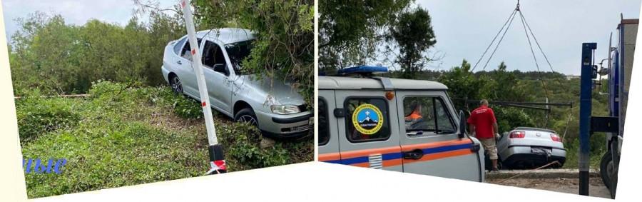 ForPost - Новости : Автомобиль завис над Максимовой дачей в Севастополе