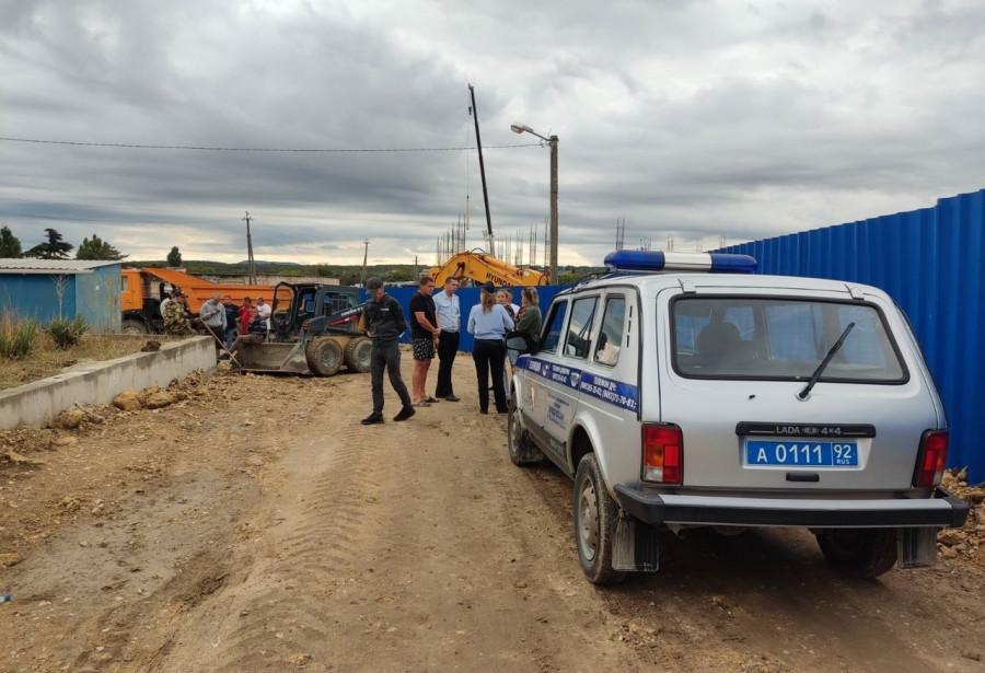 ForPost - Новости : Ледовый дворец блокирует дома севастопольцев?
