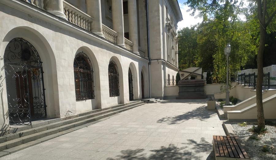 ForPost - Новости : Оплаченный «Интерстроем» объект у Матросского клуба установили без разрешений