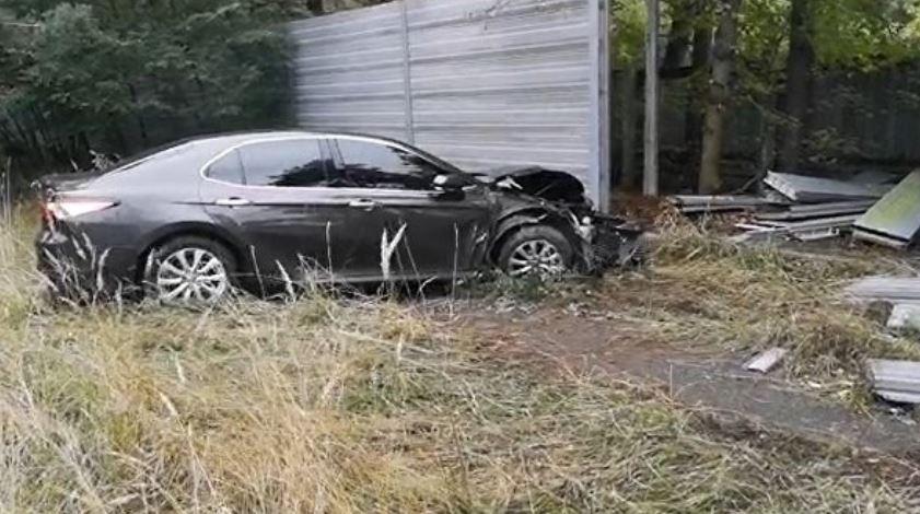 ForPost - Новости : В Конча-Заспе женщина протаранила забор госрезиденции