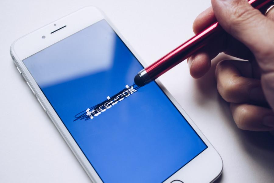 Американские борцы с ненавистью: почему под ударом Facebook