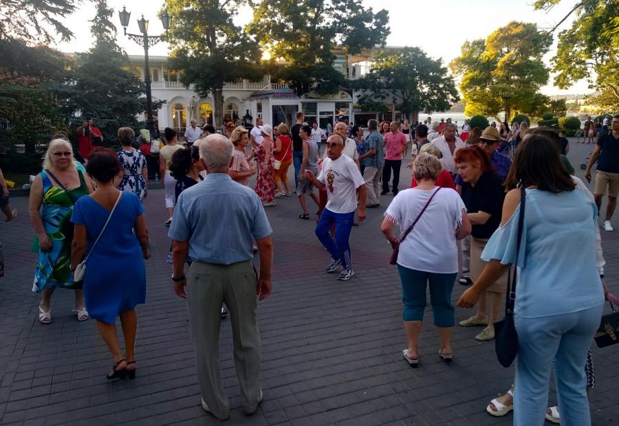 ForPost - Новости : «Танцы на Приморском» в Севастополе могут продолжиться