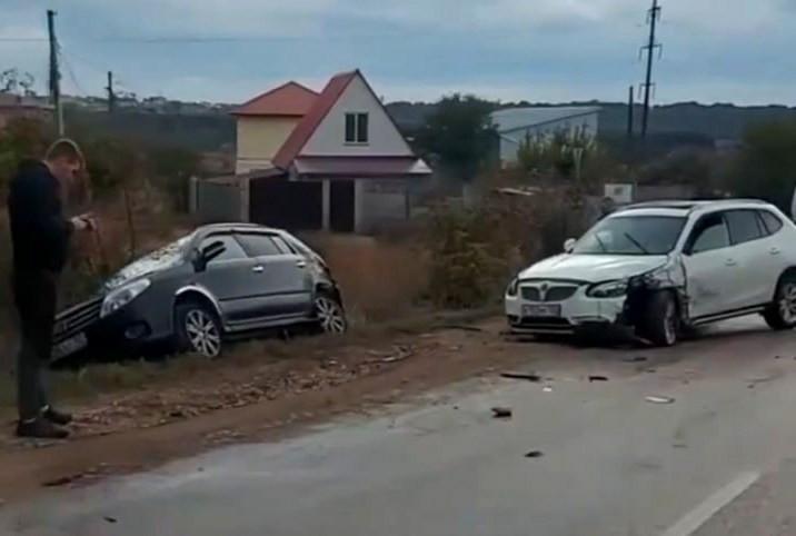 ForPost - Новости : В Севастополе пять автомобилей «сыграли в домино»