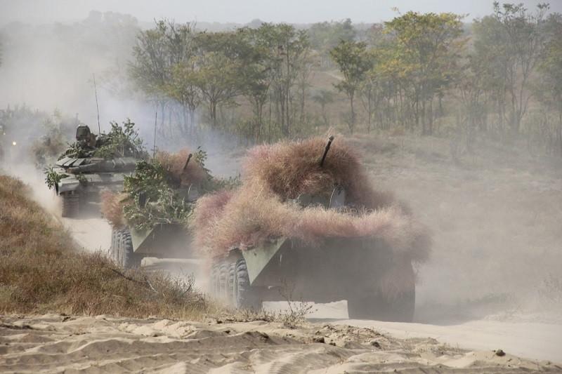Крымчан предупредили о масштабном перемещении военной техники на полуостров