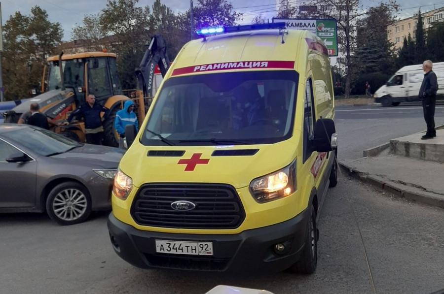 ForPost - Новости : Нетрезвый севастополец предпочел попасть под машину, а не в яму