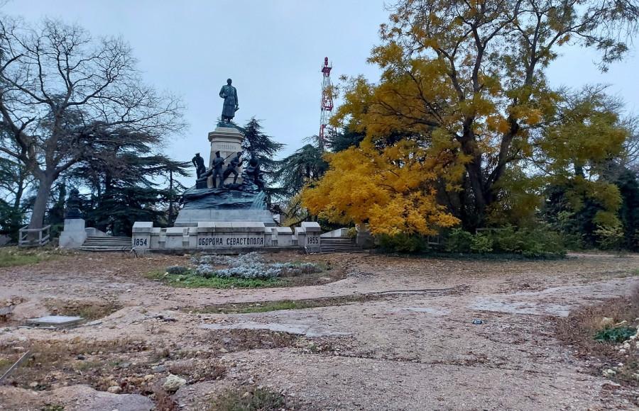ForPost - Новости : На Исторический бульвар в Севастополе заходит очередной подрядчик