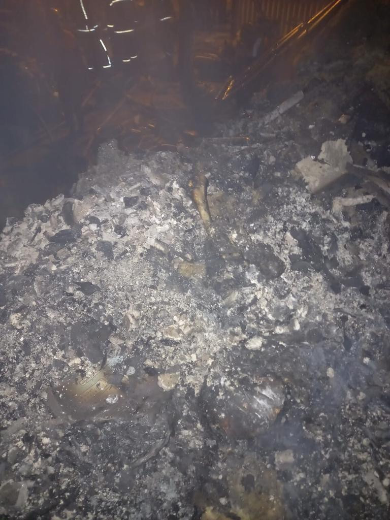 ForPost - Новости: Семье из сгоревшего в Севастополе дома помог спастись сосед