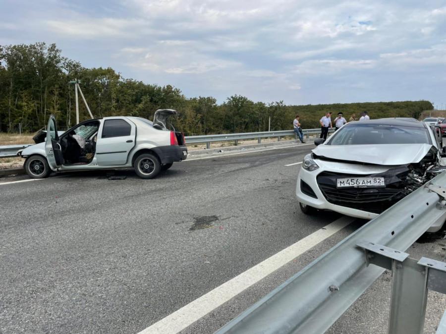ForPost - Новости: Семь человек пострадало в ДТП на трассе Таврида в Севастополе
