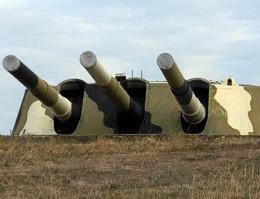 ForPost - Новости : У главных ворот легендарной 30-й батареи развернуто строительство многоэтажного здания. Соответствующие городские органы должны проверить законность строительства