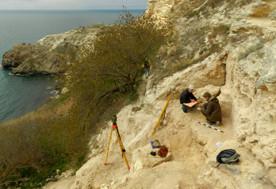 ForPost - Новости : В Севастополе в районе Фиолента неизвестные обстреляли археологов, ведущих официальные раскопки
