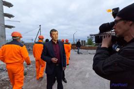 ForPost - Новости : Сегодня в Севастополе с утра идёт демонтаж 16-этажки на мысе Хрустальном. На очереди – небезызвестный «Диалог»? Видео