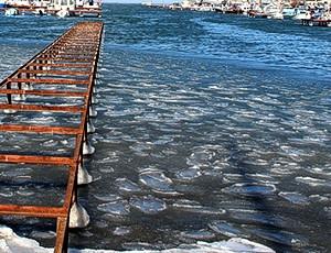 ForPost - Новости : В Севастополе начало замерзать Черное море. Красота зимнего Севастополя. Фоторепортаж