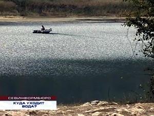 ForPost - Новости : Озеро села Орлиное под Севастополем выкачивают частники