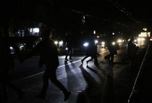 ForPost - Новости : Возмущенные севастопольцы опять перекрыли трассу