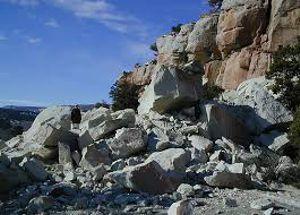 ForPost - Новости : Камень, упавший со скалы на Фиоленте, разбил голову туристке