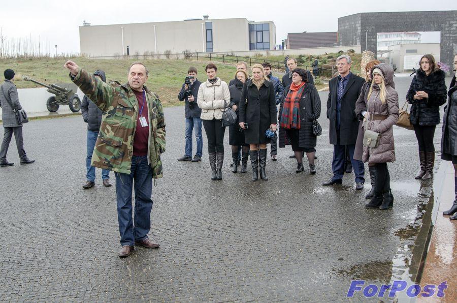 ForPost - Новости: Реализацию проектов военно-патриотического воспитания в Севастополе Министерство культуры РФ может доверить Министерству Республики Крым