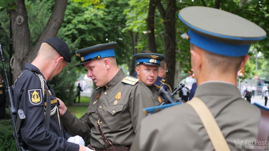 ForPost - Новости: Советские танки и женский батальон: как прошёл Парад Победы в Севастополе