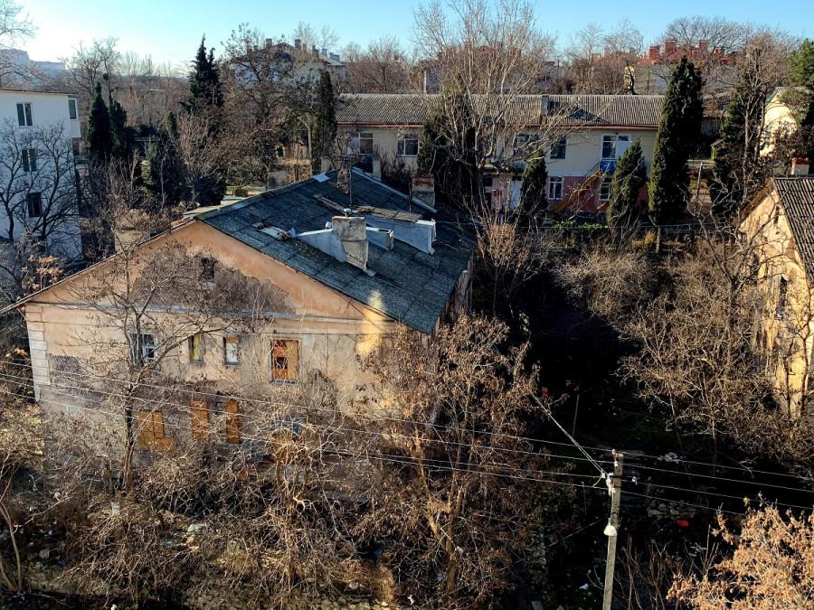 ForPost - Новости: Севастопольские заброшки дают прикурить местным жителям