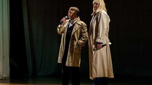 Песню из фильма «Гардемарины, вперёд!» исполнили актеры театра им. Луначарского Анатолий Бобер и Тат