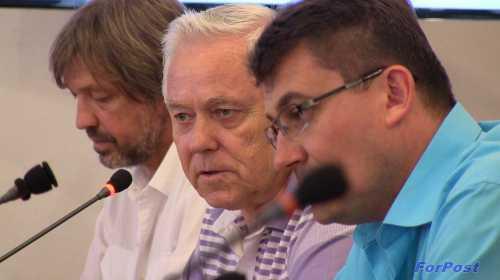 Слева направо: Олег Николаев, Григорий Донец, Иван Комелов