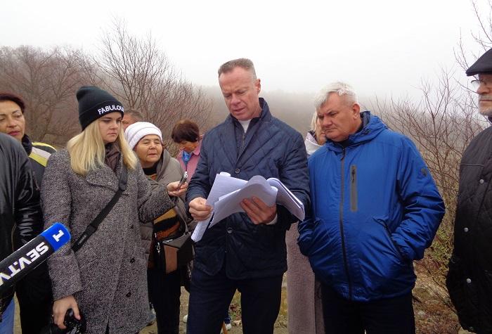 Строительный мусор из Севастополя теперь везут в Байдарскую долину